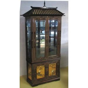 vitrine chinoise noire et or